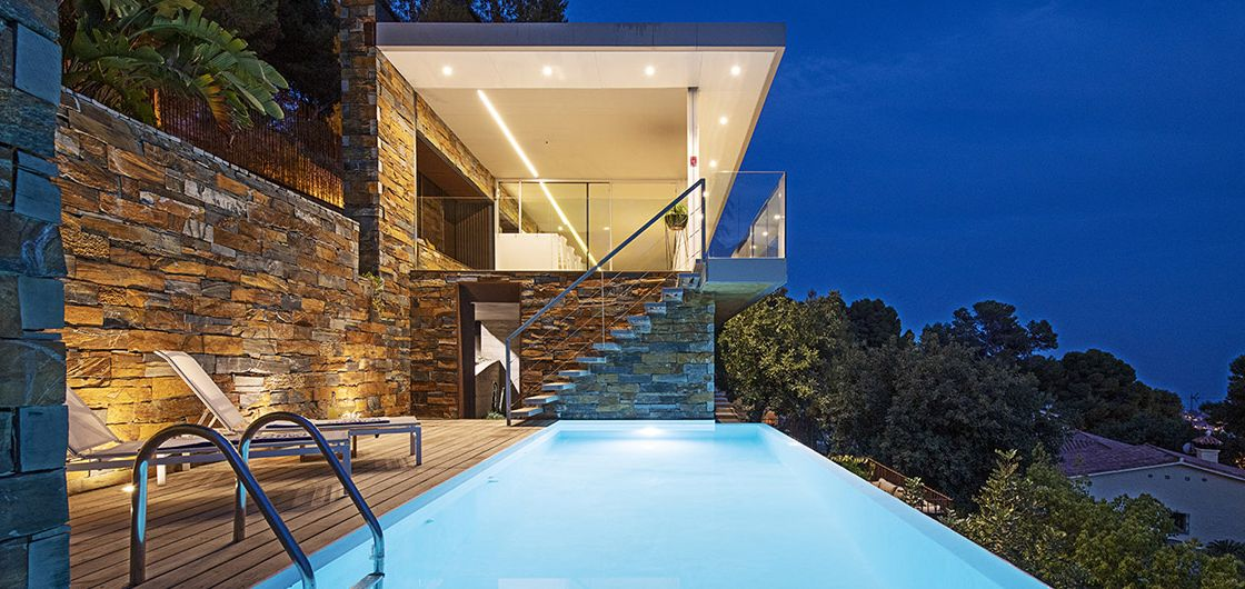 James Bond pool at WN Málaga